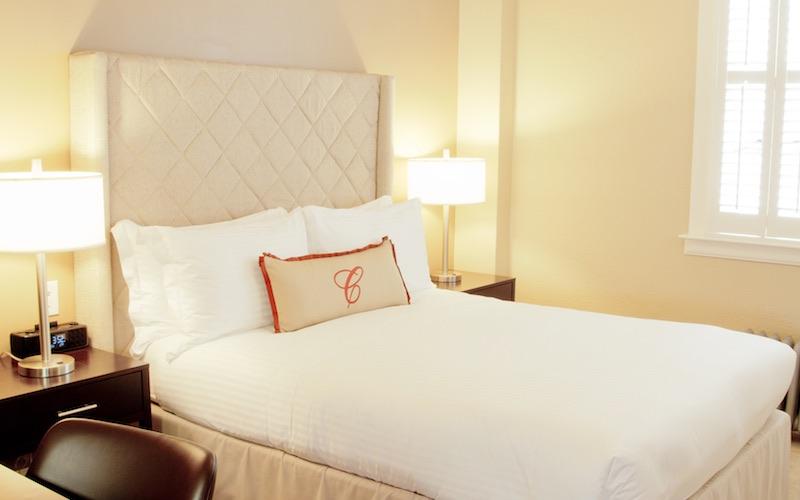 Cardinal Hotel Shared Bath Style room