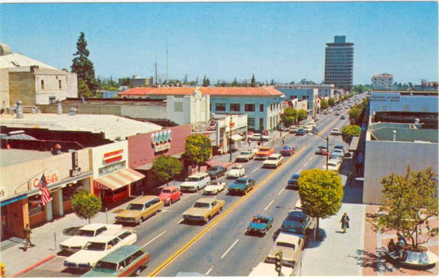vintage postcard of palo alto university ave.